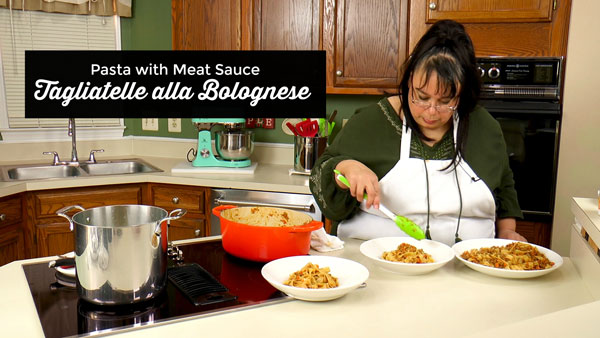 Tagliatelle alla Blolognese Pasta with Meat Sauce