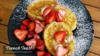 French Toast with Sugared Strawberries